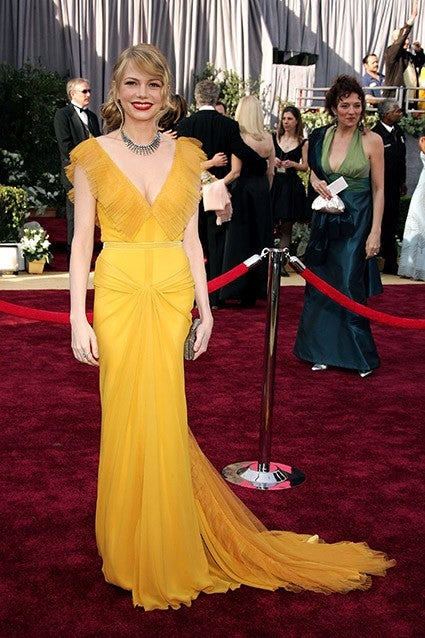 The Best Oscar Dresses of All Time: Revisit Halle Berry ...