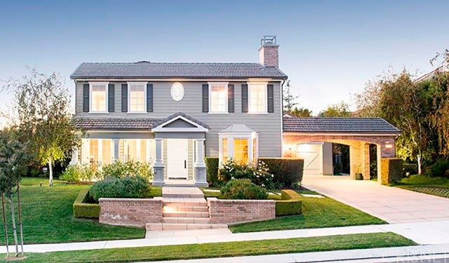 Kris Jenner Buys Rob Kardashian a $2.3 Million House ...