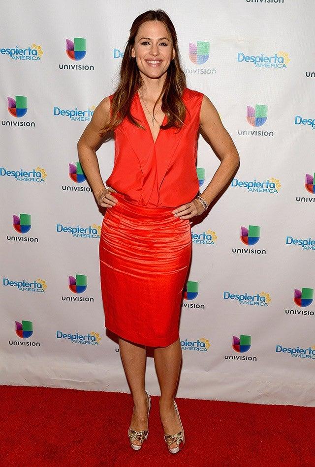 Jennifer Garner Shows Off Killer Legs Plus 6 More Times