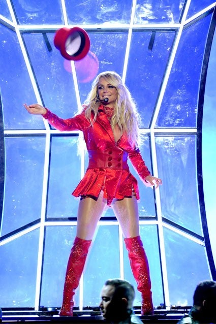 Britney spears womanizer live x factor hd - 2 2