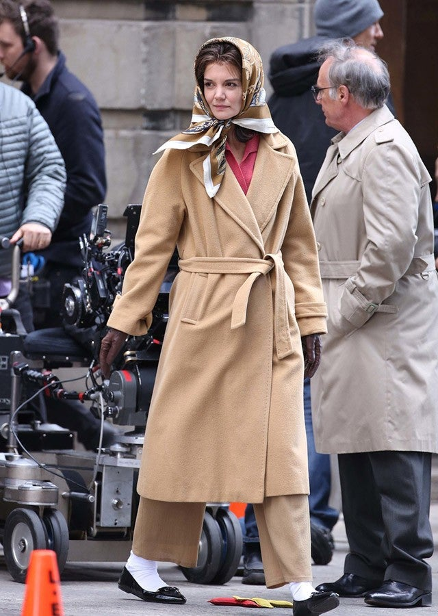 Katie Holmes Looks Glamorous As Jackie Kennedy On Set Of