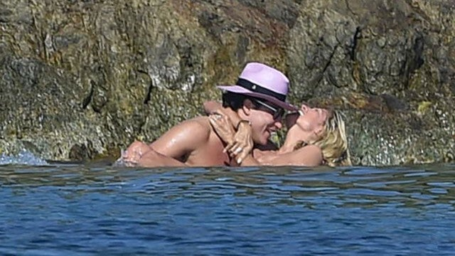 7ba3547bb6 Heidi Klum, 42, Goes Topless for PDA-Filled Beach Day With Boyfriend ...