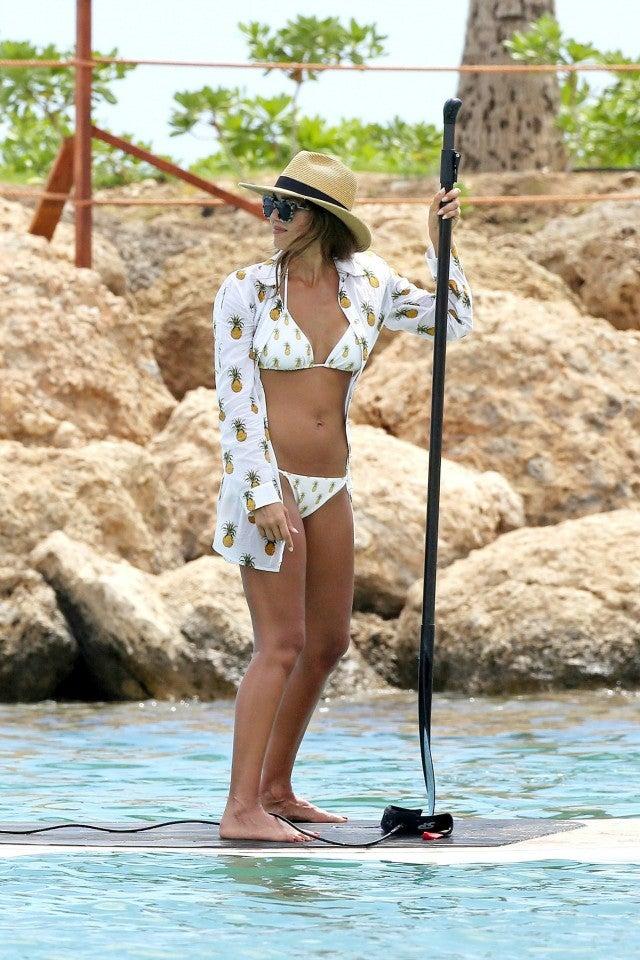 Jessica Alba Shows Off Toned Bikini Body During Family