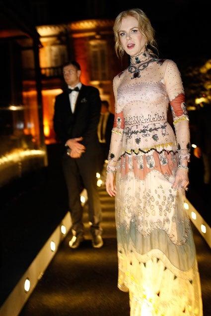 Nicole Kidman Rocks Su...