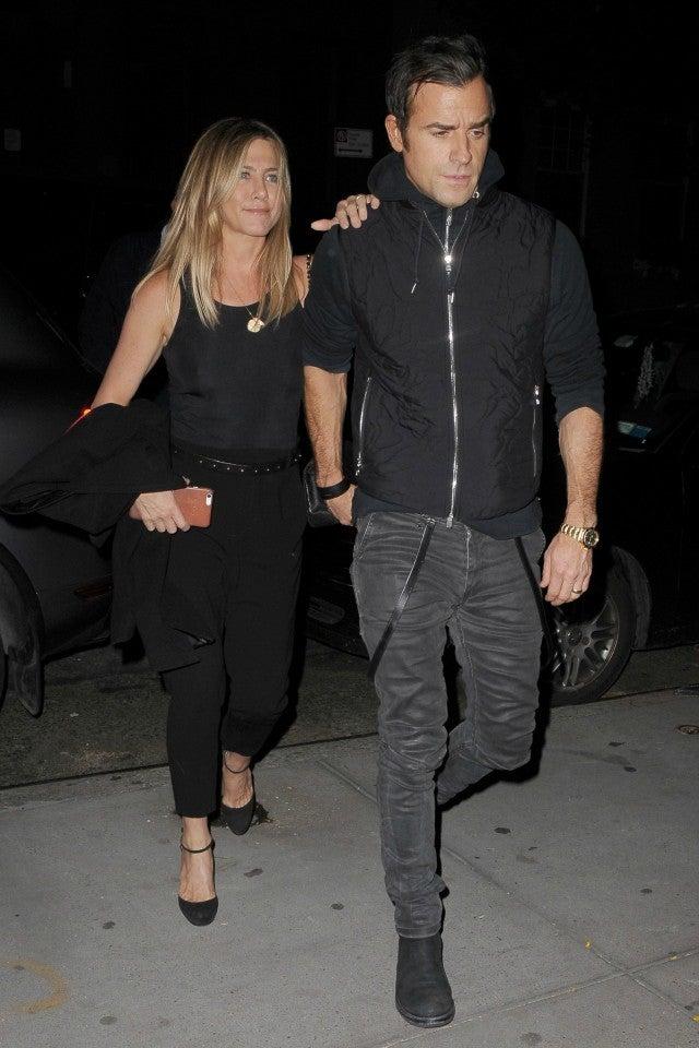 Aniston dating pitt