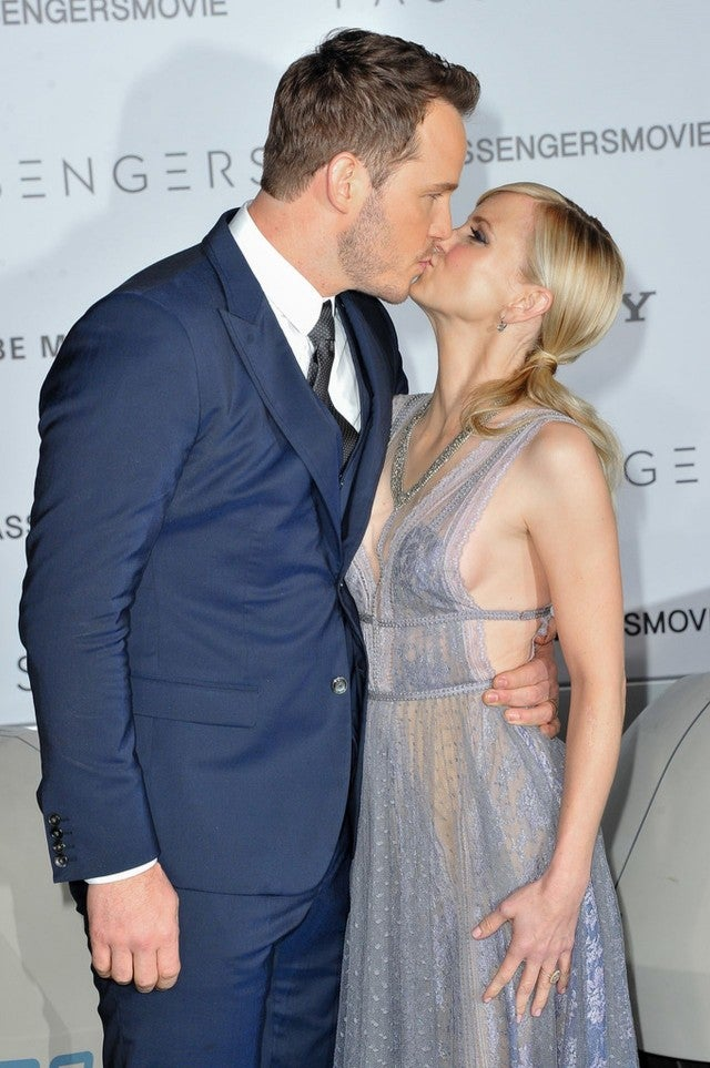 Anna faris debuts giant new ring from husband chris pratt at getty images junglespirit Image collections