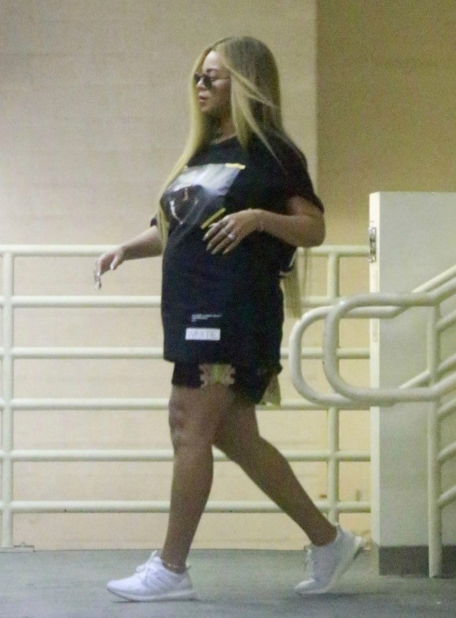 Beyonce Steps Out For Shopping Trip In Beverly Hills
