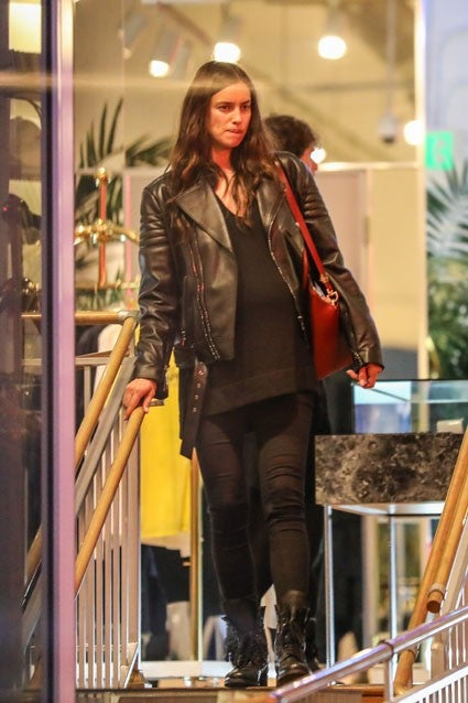 Irina Shayk Can T Hide Growing Baby Bump In Edgy All Black