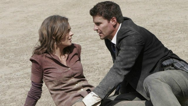 when do booth and brennan start dating