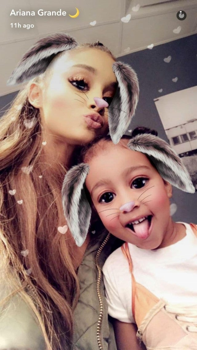 Kim kardashian shares old concert pic with ariana grande after taylor swift katy perry more stars react to reported explosion following ariana grande concert m4hsunfo