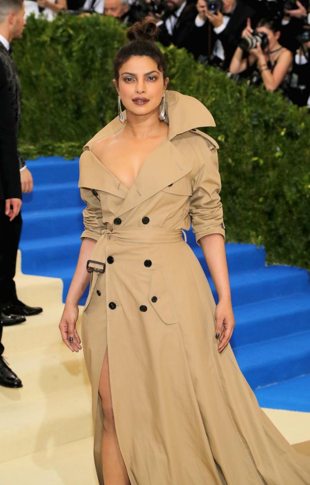 Priyanka Chopra Wears Show Stopping Trench Coat To The Met