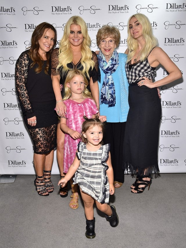 Jessica Simpson Poses With Grandmother Mom Sister Ashlee
