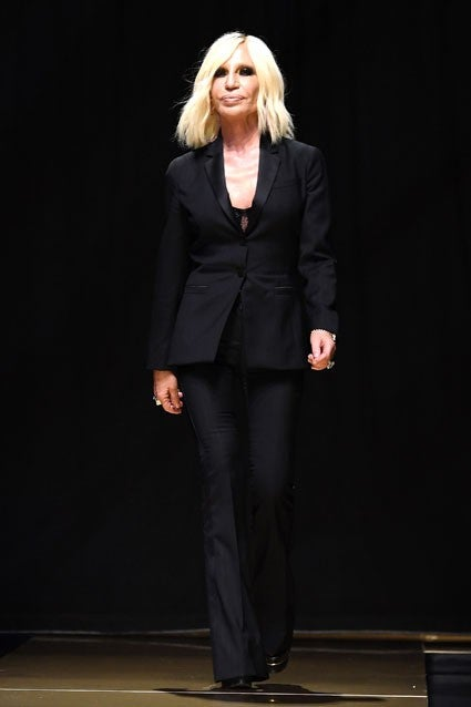 1c8f3b94c75 Penelope Cruz Channels Donatella Versace While Filming  American ...