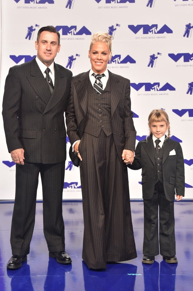 Pink, Carey Hart and Willow Hart at 2017 VMAs