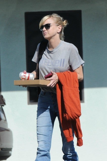 Anna Faris Spotted Without Wedding Ring After Separation