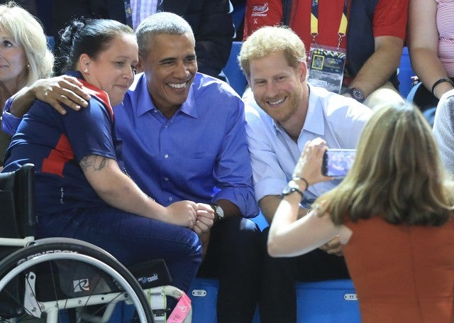 Prince Harry and Barack Obama take photo with player Invictus Games 2017
