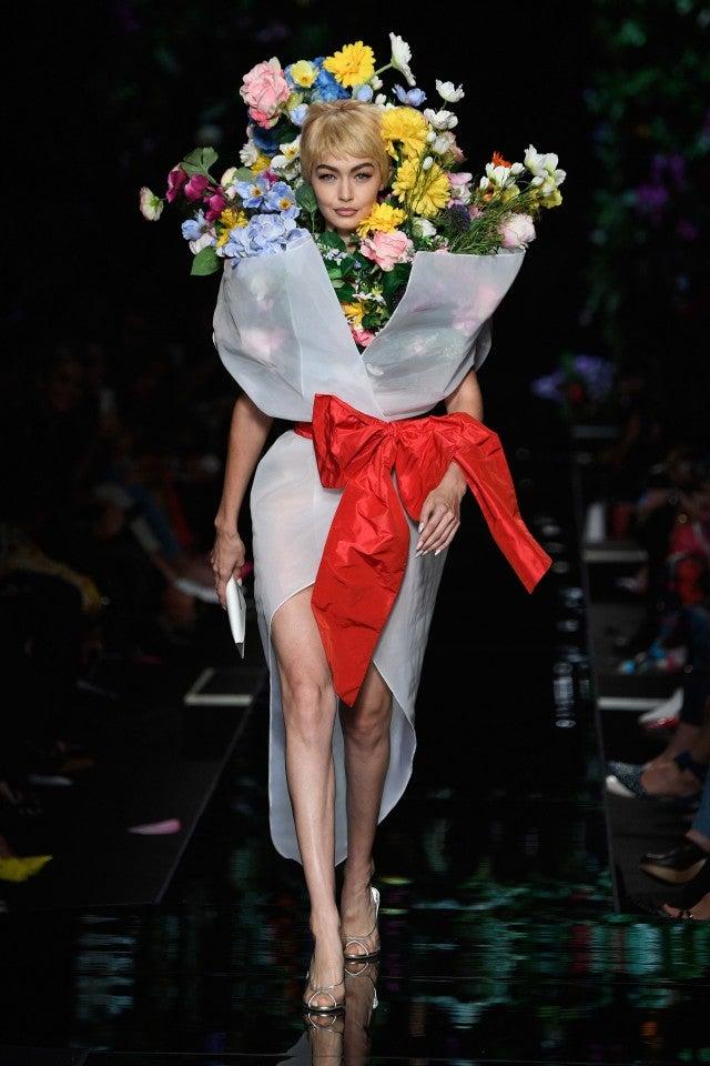 Kaia Gerber And Gigi Hadid Flaunt Their Flower Power At Moschino Fashion Show Entertainment