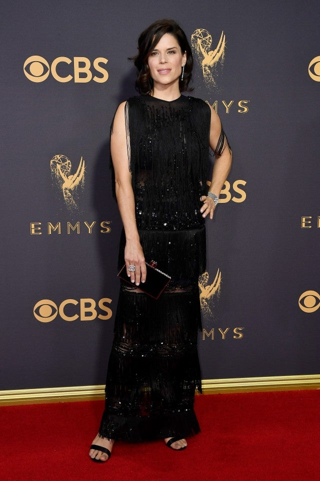 Neve Campbell at 2017 Emmys