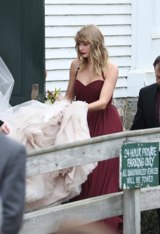 Taylor Swift As A Bridesmaid For Abigail Andersons Wedding