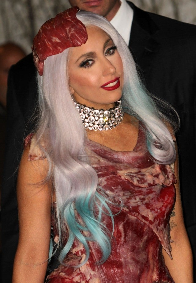 lady gaga 2010 vmas meat dress