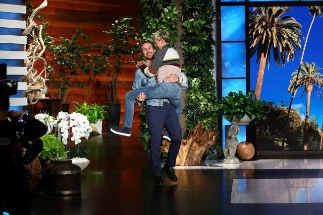 Ryan Gosling lifts Ellen DeGeneres