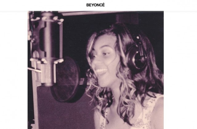Beyonce in the recording studio for No No No