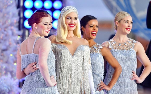 a7b2aebb98e Gwen Stefani Is  Thankful for All the Love  She Has Around Her This ...