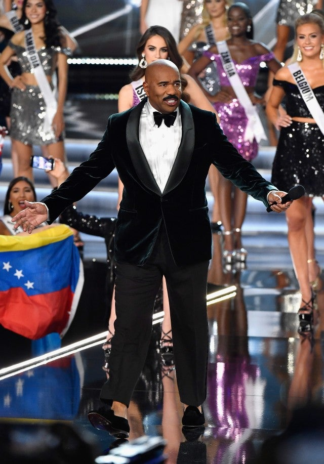 Steve Harvey Hosts 2017 Miss Universe Pageant