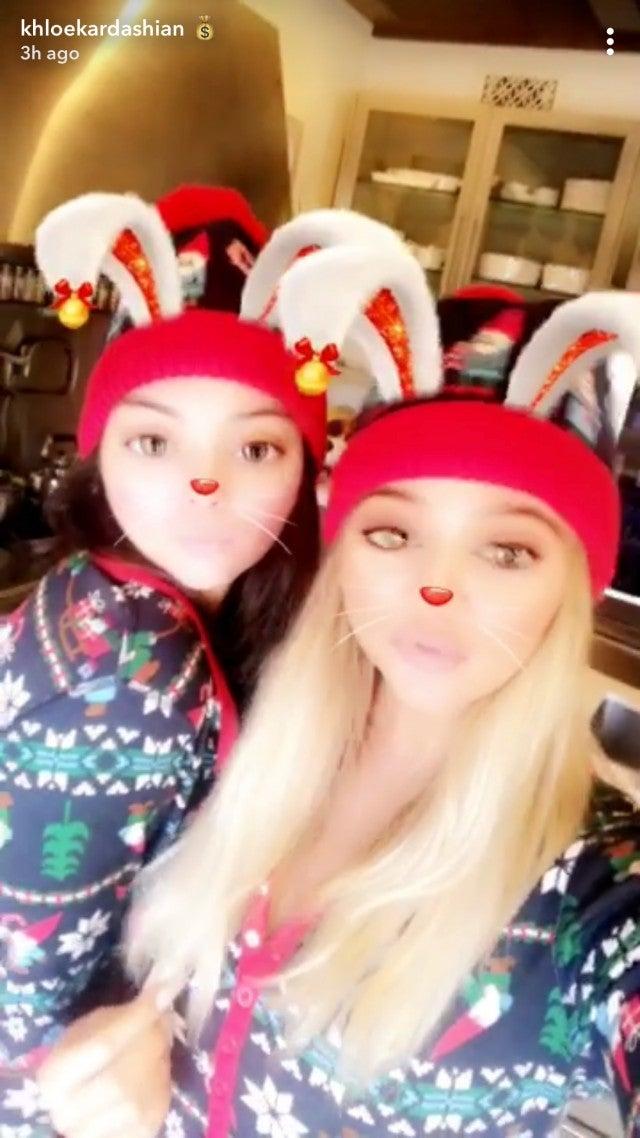 Kylie Jenner Makes a Rare Appearance in Khloe Kardashian\'s Christmas ...