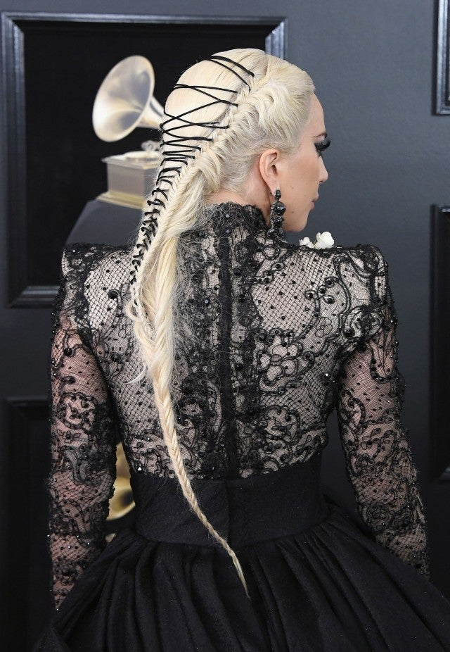 Lady Gaga Rocks The 2018 Grammys Red Carpet In Dazzling