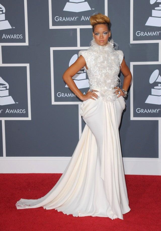 GRAMMYs Flashback: Rihanna, Lady Gaga and Pink's Epic Red ...