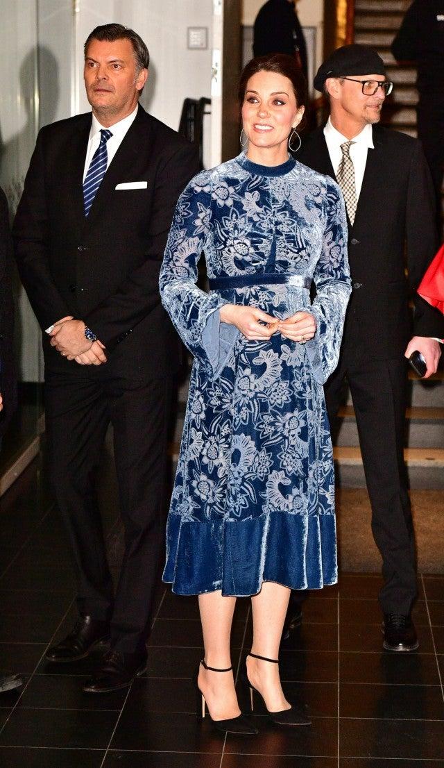Pregnant Kate Middleton Looks Spectacular In Blue Velvet