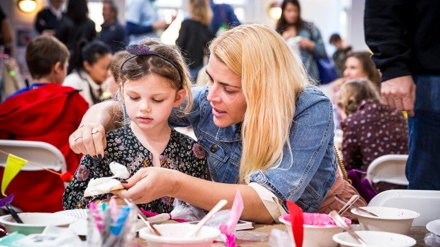 Busy Philipps and her daughter Cricket at pablove event