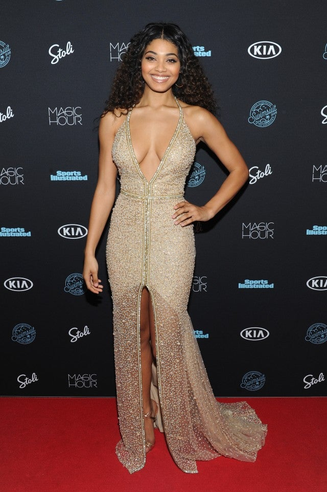 Tyra Banks Kate Upton And More Models Stun At Sports