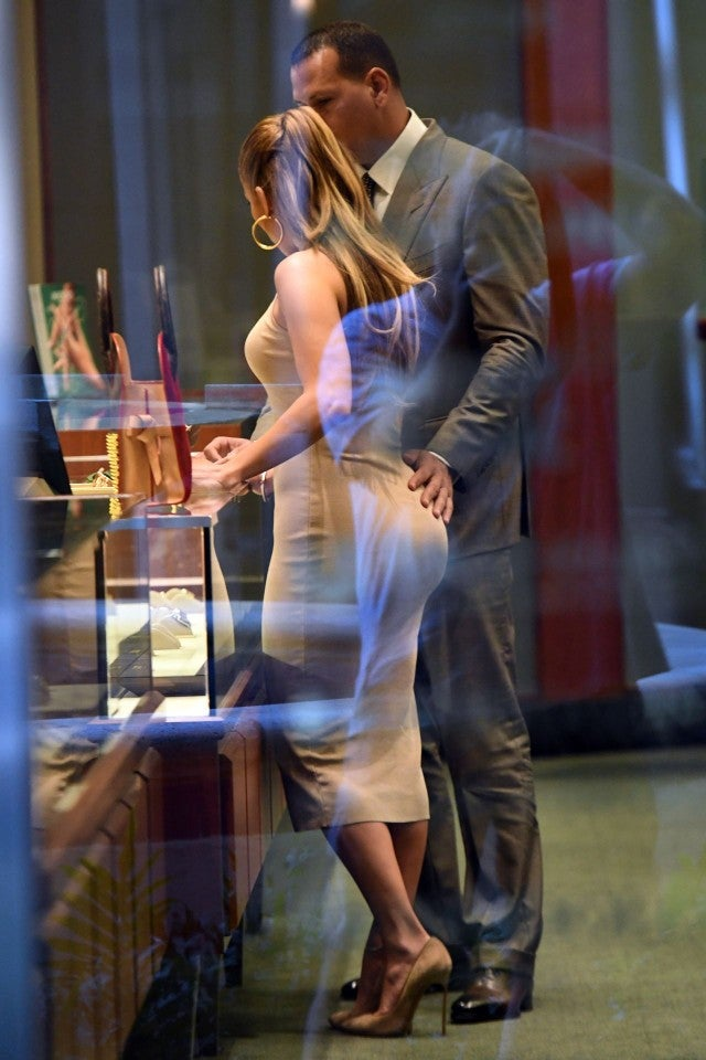 jennifer lopez and alex rodriguez look so in love while