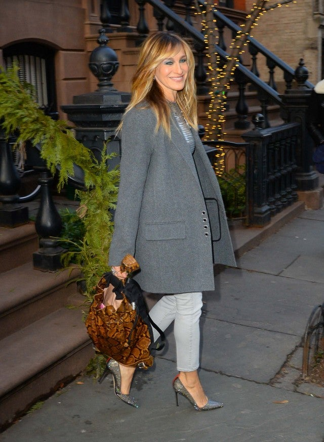 Sarah Jessica Parker Debuts Bangs See Her New Look