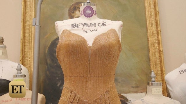 bugged_pic_beyonce_jumpsuit_1.jpg