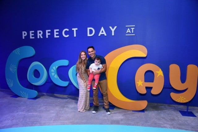 Alexa and Carlos PenaVega and son at cruise event
