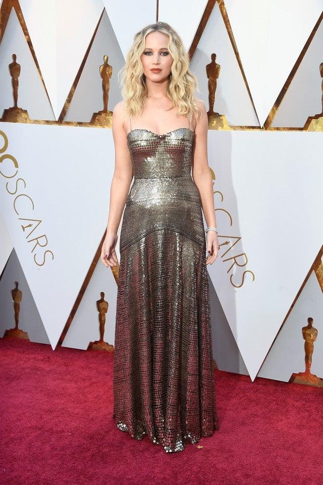 Jennifer Lawrence Is a Shimmering Goddess at 2018 Oscars -- See Her ...