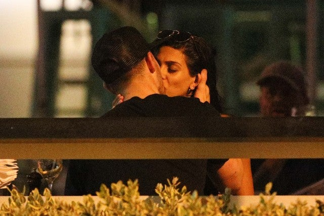 Nick Jonas and Annalisa Azaredo make out while on a date in Australia on Feb. 28