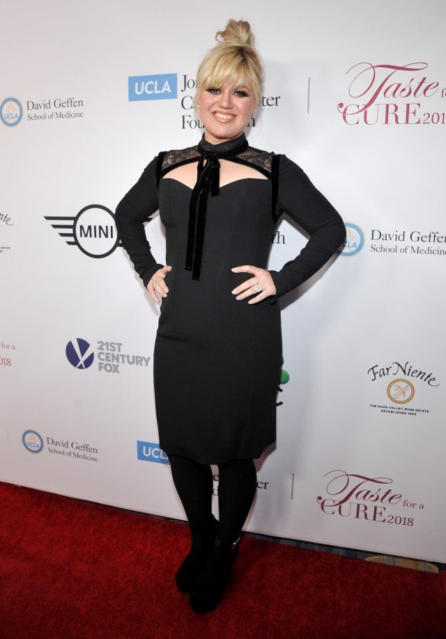 Kelly Clarkson at cancer event