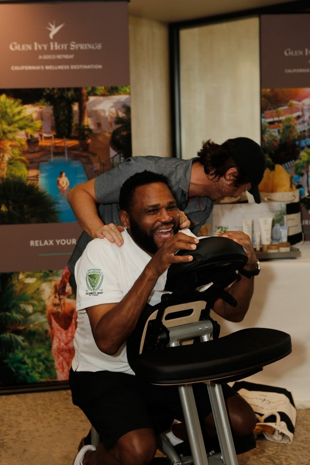 Anthony Anderson at glen ivy hot springs booth