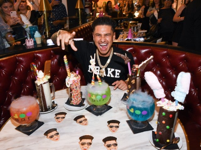 DJ Pauly D at sugar factory