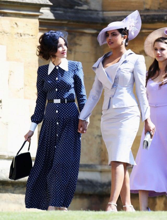 Meghan Markle S Suits Co Stars Make Stylish Entrance At