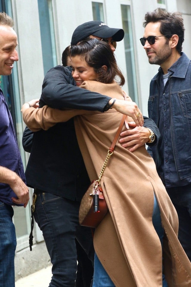 Selena Gomez greets friends, including Justin Theroux, in the West Village, New York