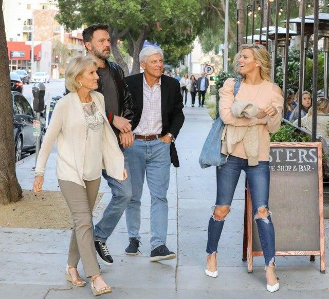 Ben Affleck and girlfriend Lindsay Shookus grab dinner with her parents in LA on June 23