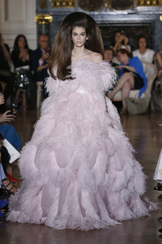95c3d42e13 Kaia Gerber's Sky-High Hair Steals the Valentino Show During Paris Fashion  Week -- See the Haute Look!