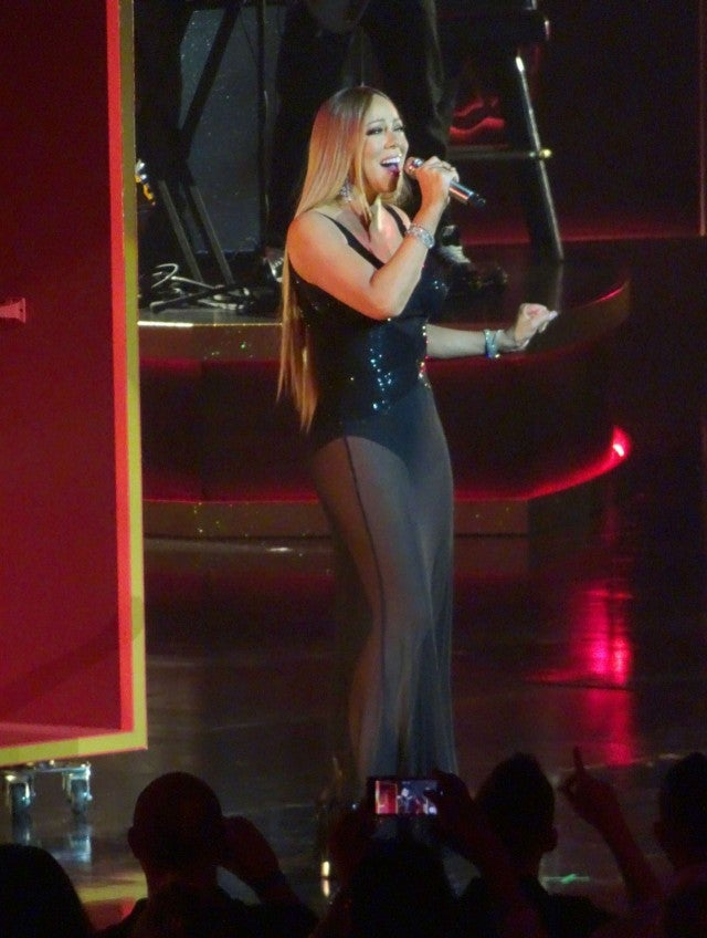 Mariah Carey Stuns In Dazzling Curve Hugging Gowns For Las