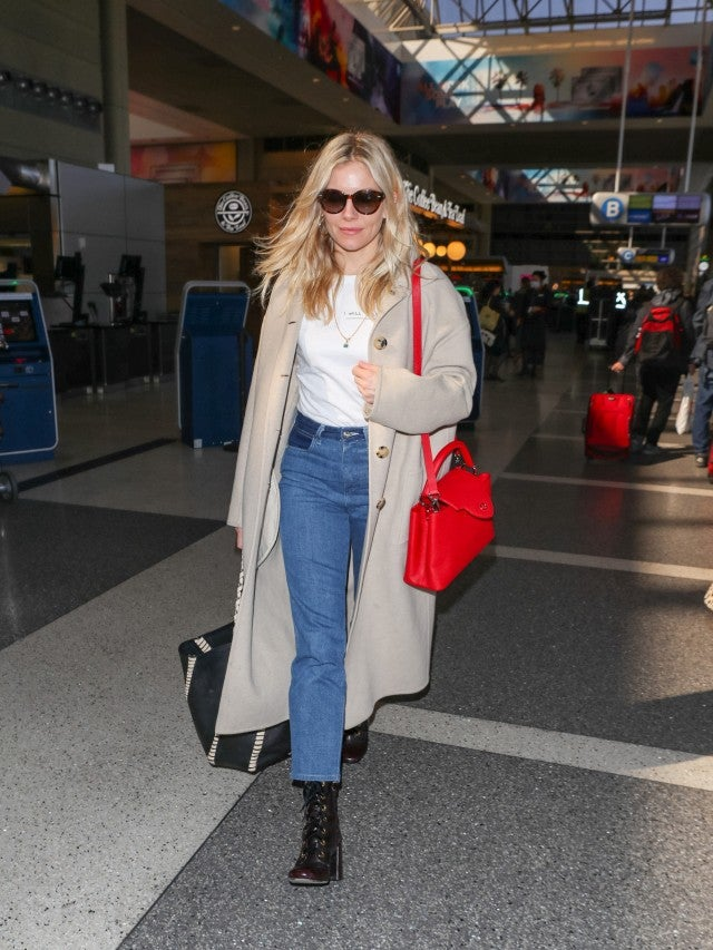 Sienna Miller jeans airport outfit