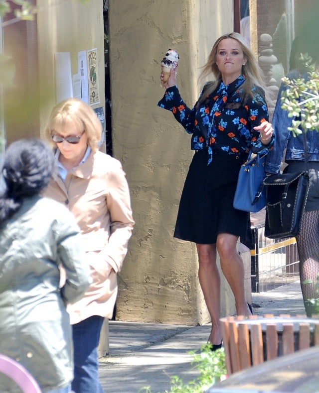 Here's Reese Witherspoon pelting Meryl Streep with an ice cream